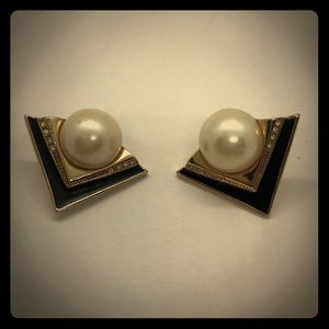 VTG very Classy Art Deco Style Clip-on earrings
